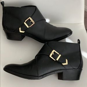 Bar III black booties